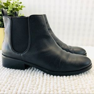 Cole Haan booties back leather low heel size 8.5 B
